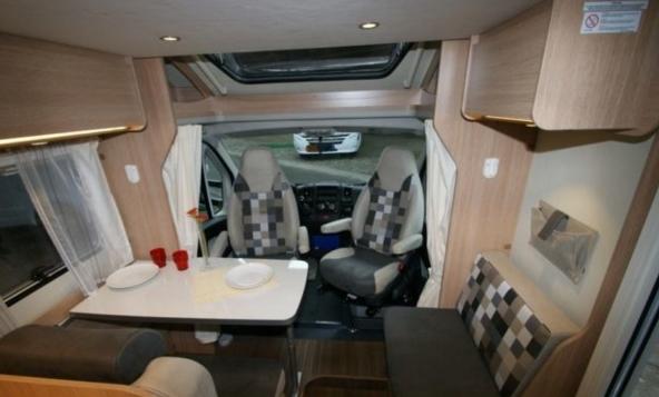 Sunligth — это дочернее предприятие одного из крупнейших производителей автодач и жилых прицепов в Германии — компании Dethleffs