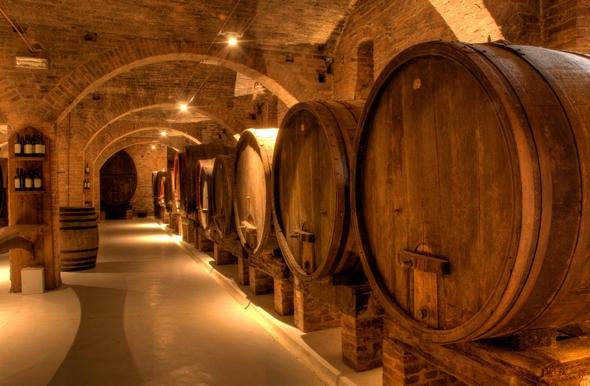 Выбору посетителей представлено огромное разнообразие итальянских вин