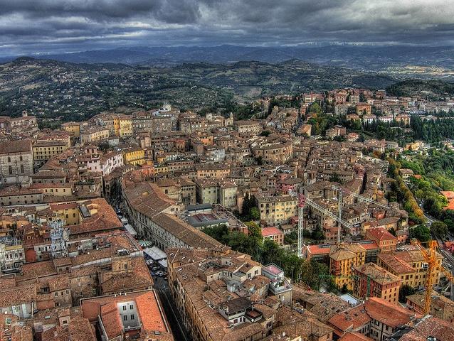 Город Перуджа, историческая столица итальянского региона Умбрия