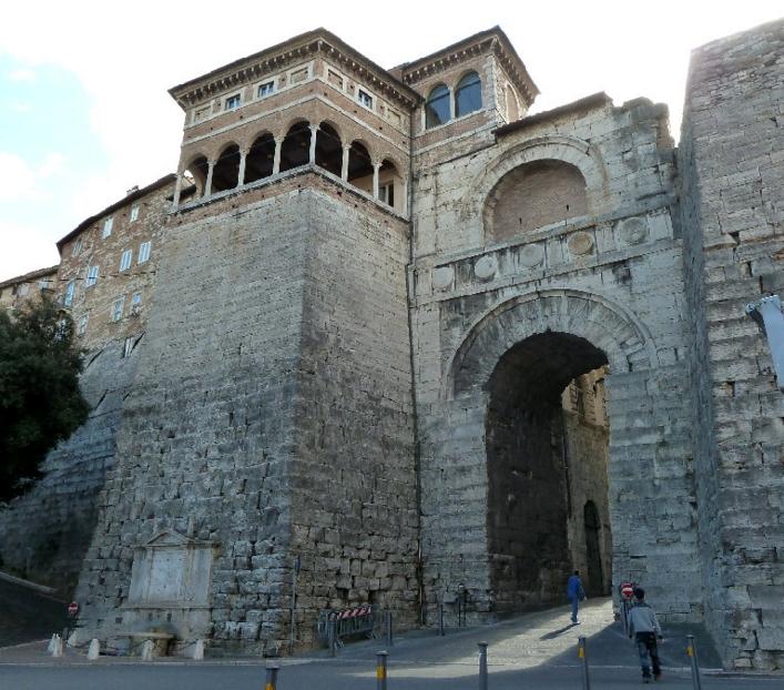 На территории современного города первые поселения были основаны легендарными этрусками не позднее VI века до н.э