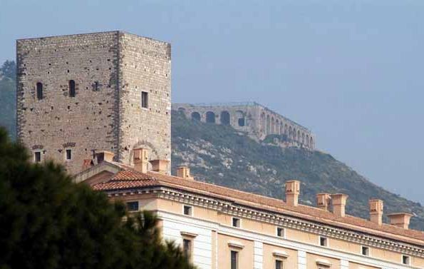 Террачина сберегла много архитектурных реликвий времен древности, а самыми древними можно назвать развалины храма Юпитера
