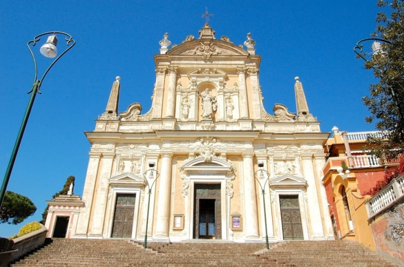 В город Санта-Маргарита-Лигуре находится церковь Святого Йоханеса