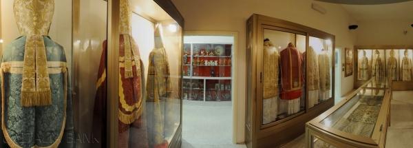 В город Никотера находится епархиальный музей