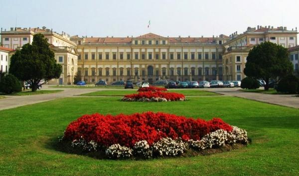 К числу местных городских красот, которые стоят внимания всех туристов, можно отнести Королевскую виллу
