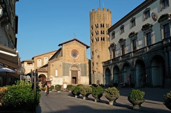 Город Орвието, в итальянском регионе Умбрия