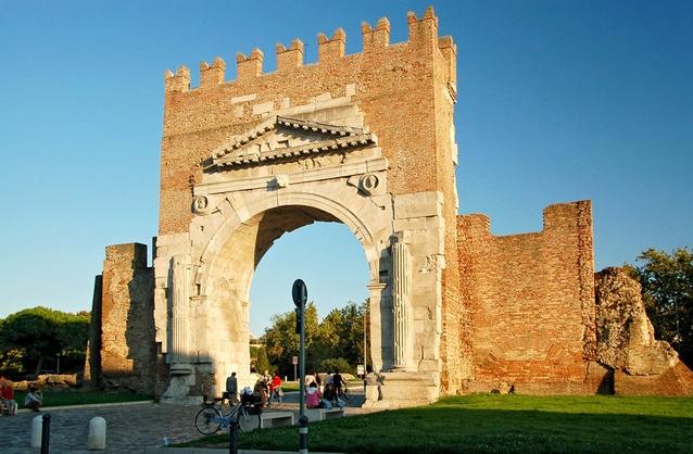 Город Римини - Арка Августа