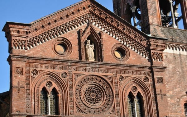 Интересное место для туристов представляет и церковь Святой Марии-ин-Страда