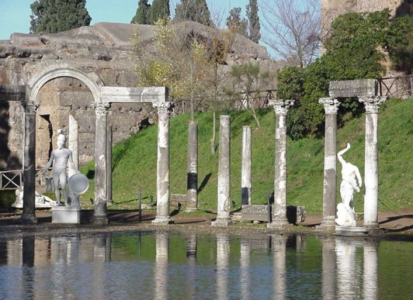 Летний дворец самого императора Адриана тоже был построен в Тибурне