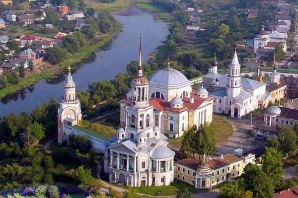 Есть в России один очаровательный, уютный городок Торжок – маленькая русская Италия