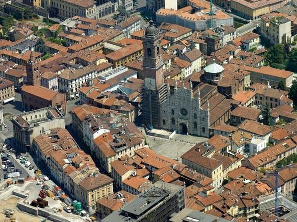 Город Монца итальянцы считают пригородом Милана