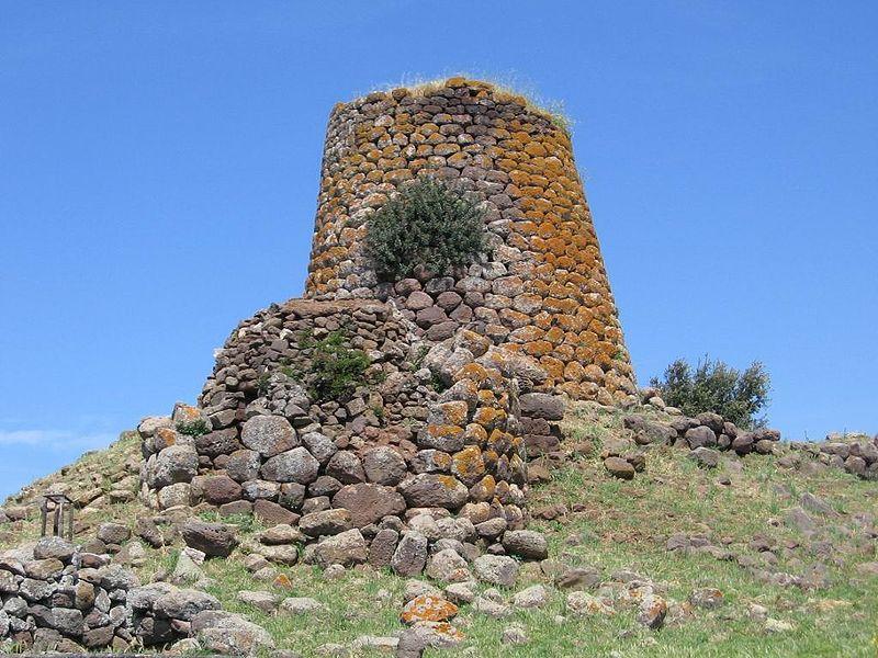 остались каменные крепости