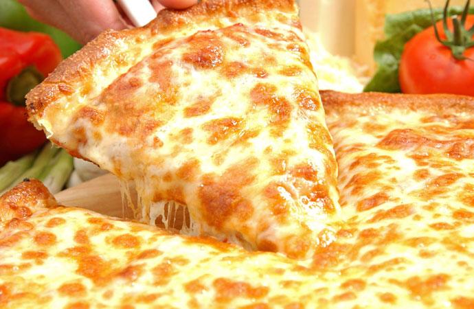 Правильная лепешка для пиццы должна получиться тонкой