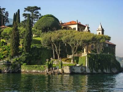 В общем и целом, жильё в Неаполе дешевле, чем в Амальфи и прочих курортных городках