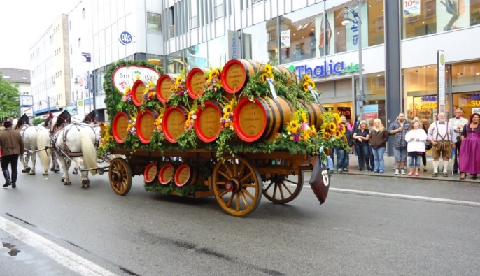любителям пива стоит попасть на рождественский фестиваль этого благородного напитка в Дании и Бельгии