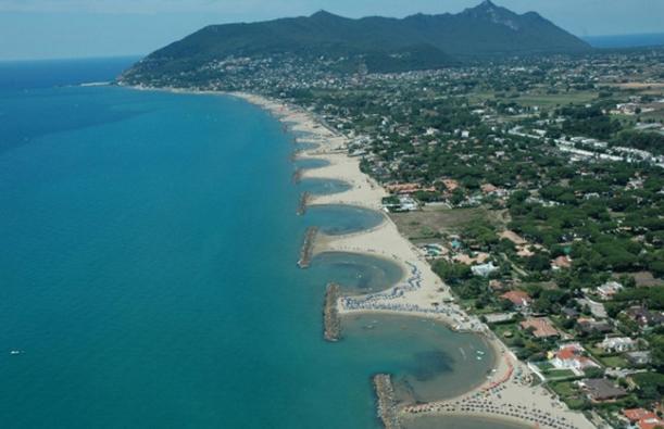 Сейчас Сан-Феличе-Чирчео – это своеобразный парк с прекрасными песчаными пляжами в большом количестве и на любой вкус