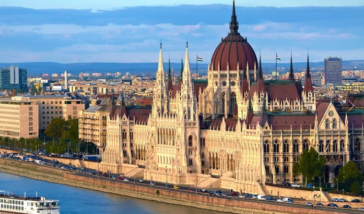 в столицу страны Будапешт