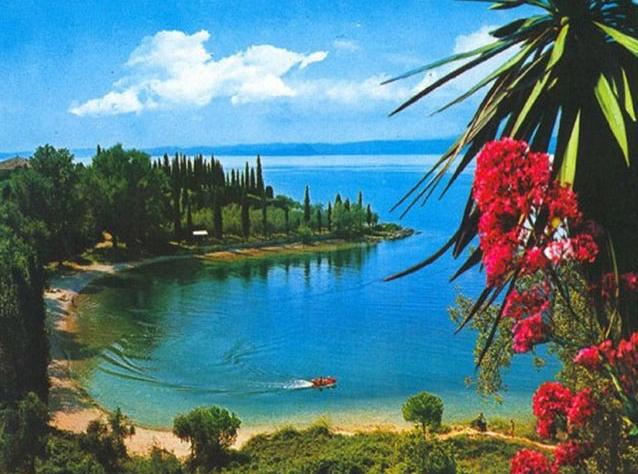 Красивая природа, прекрасная архитектура и уникальный климат делает отдых в Италии незабываемым приключением
