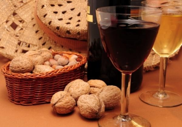 Вино и орехи – тоже несочетаемое сочетание