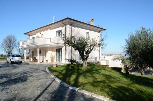 Почему покупать недвижимость в Италии очень выгодно?