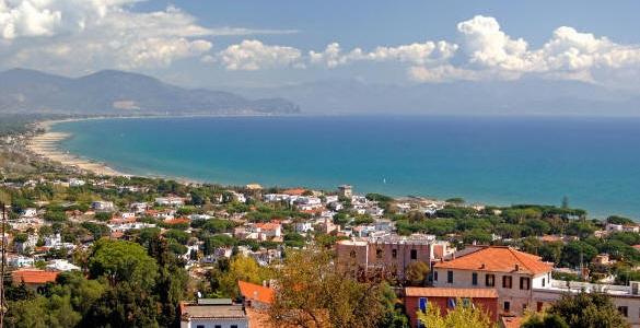 Город Сан-Феличе-Чирчео, в итальянском регионе Лацио