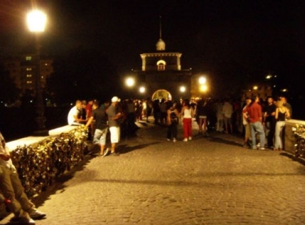 Рим - романтики и поклонники активного ночного отдыха