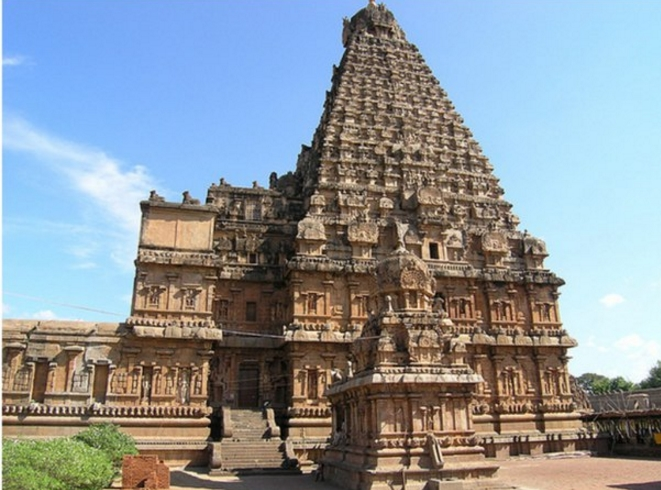 Храм Брахидеешварар в г. Танджур, Индия