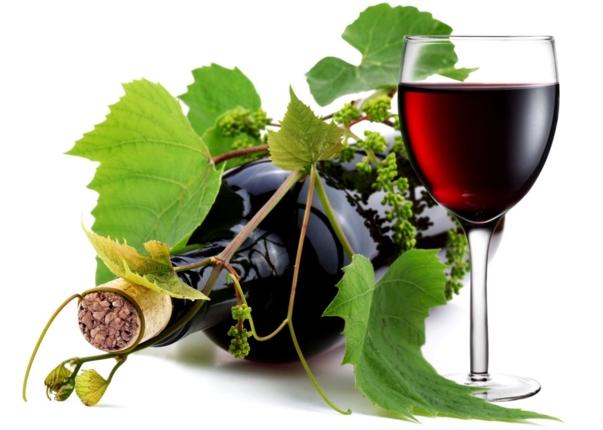 Из напитков очень популярно местное вино и черный кофе