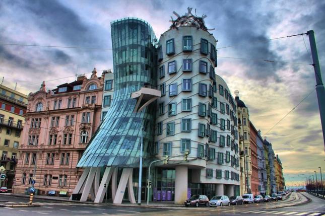 Танцующий дом - достопримечательностей Праги