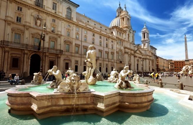 Когда на улице жарко, то возле трех фонтанов на Навоне можно освежиться