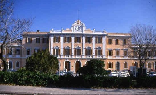 Город может похвастаться тем, что на его территории в XVII веке открывается первое в Сардинии крупное учебное заведение – университет