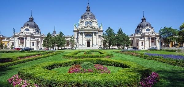 На территории Будапешта находится 7 островов, омываемых Дунаем