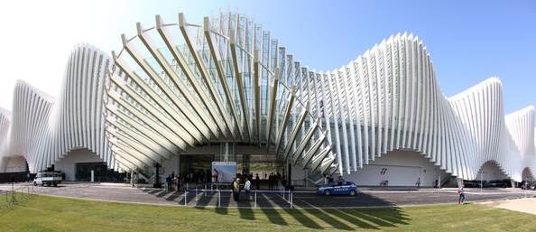 Культурная жизнь также процветает – особенный расцвет наблюдается в сфере архитектуры