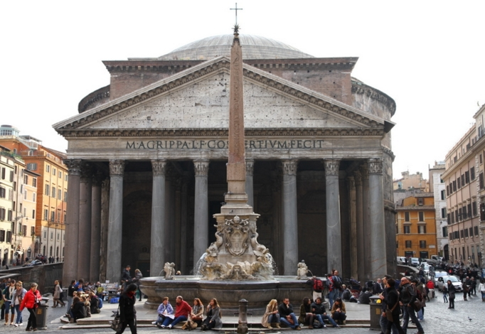 Очистить душу от грехов в Пантеоне - Рим