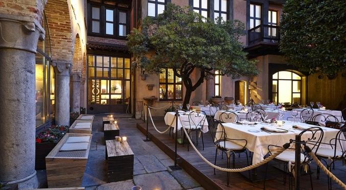 Насладиться всем великолепием Итальянской кухни можно как в дорогом ресторане, так и в скромной траттории
