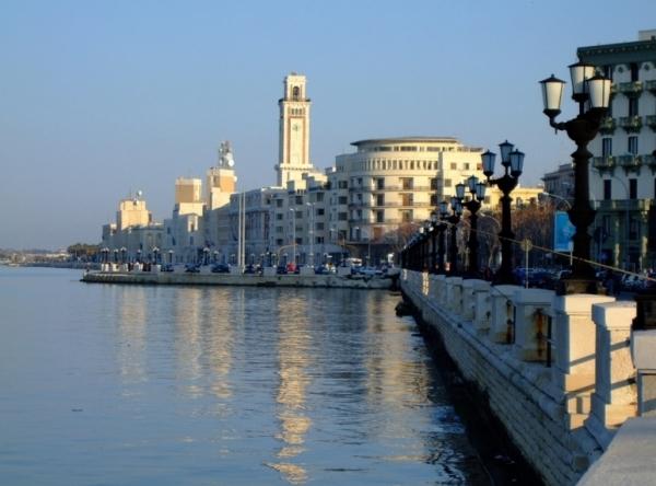 Бари. Столица и культурно-экономический центр провинции