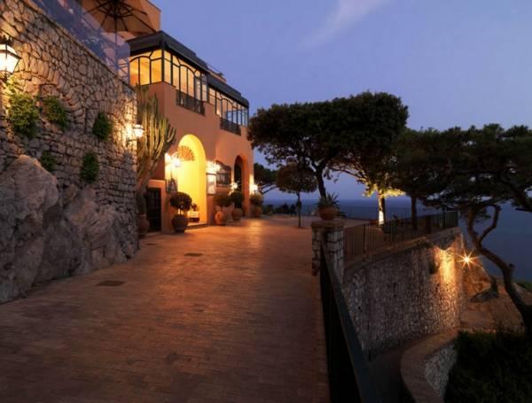 Номера в гостиницах и отелях Италии можно найти по оптимальным ценам