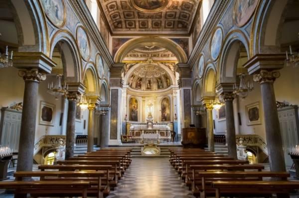 Сорренто - Базилика Св. Антония