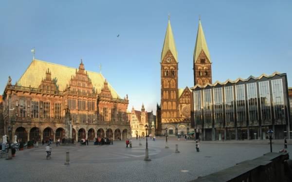 Также обязательным для посещения является город Бремен