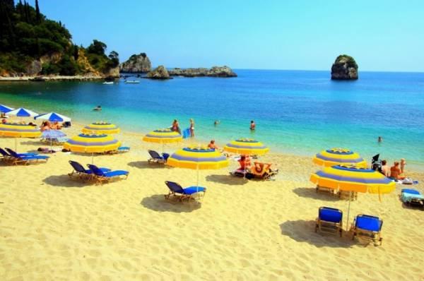 Когда на улице тепло, люди часто грезят о солнечном пляже, шуме прибоя
