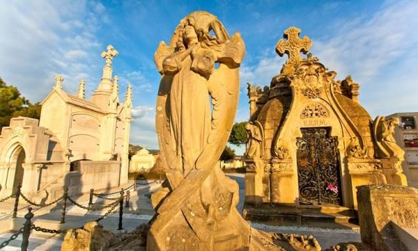 кладбище в стиле модерн, Ллорет-де-Мар, Испания