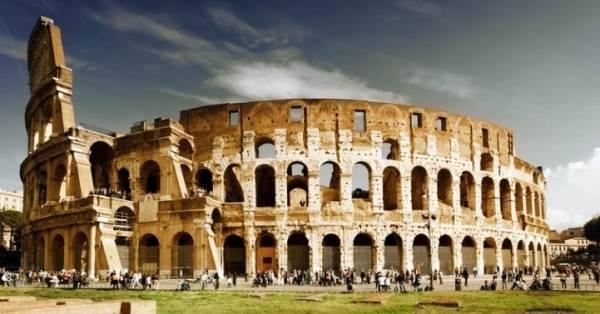 Рим славится Колизеем и Римским форумом