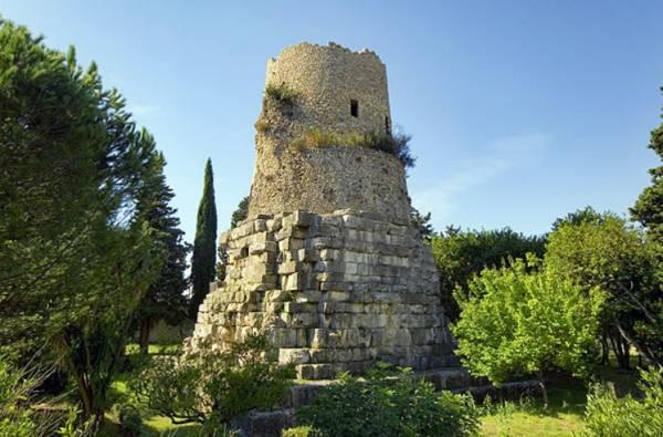 могила римского мыслителя и философа Марка Туллия Цицерона