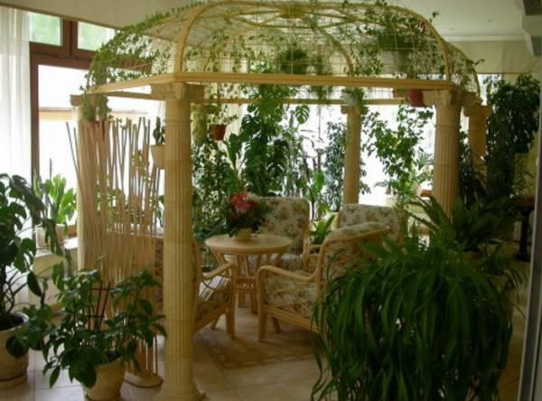 Очень выигрышно смотрится зимний сад в деревенском стиле