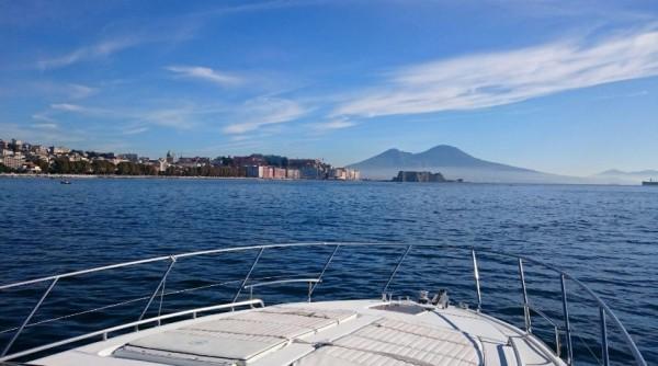 окрестностей Неаполя Прекрасны для яхтинга