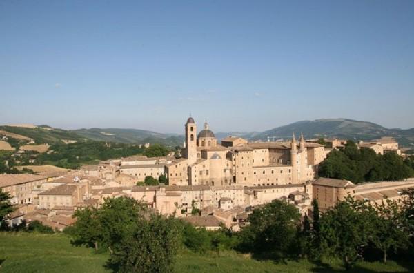 В регионе Марке расположен потрясающий город студентов – Урбино