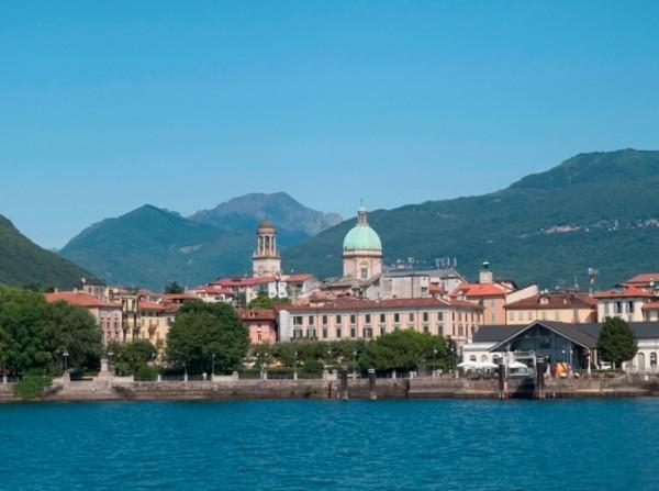 Наибольший городок Вербания, Италия