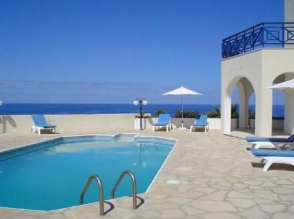 Как Кипр вступил в ЕС, жильё там стало сдаваться за 30 евро