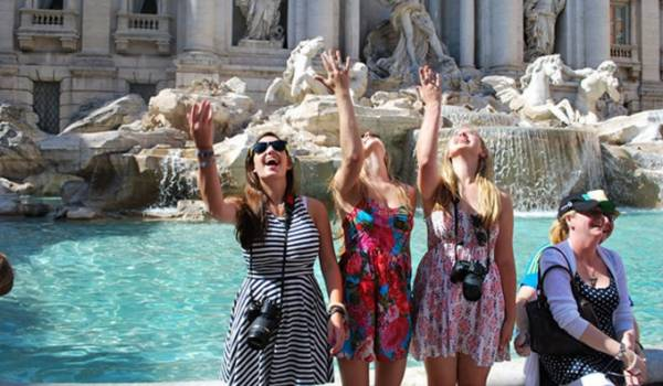Рим фонтан треви - бросить монетки