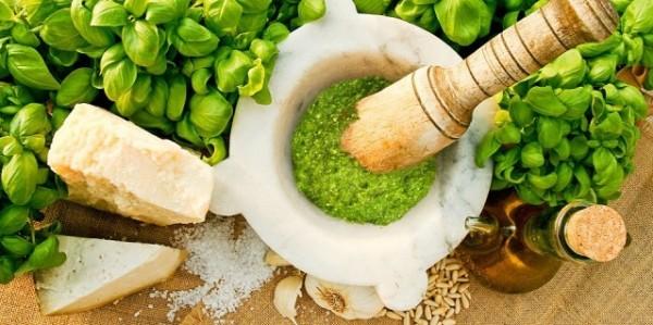 в Италии, из базилика готовят знаменитый соус песто