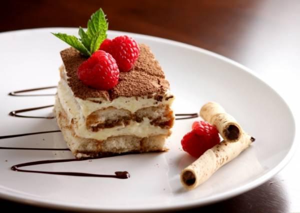 Север Италии славится замечательным десертом тирамису